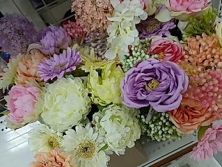 春の造花.jpg